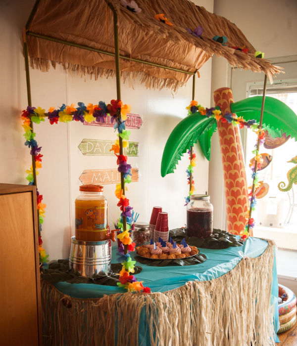 Attractive Table Top Tiki Hutu2026.check! Raffia And Seashell Table Skirtsu2026check!  Inflatable Palm Tree Drink Cooler....is There Any Other Kind? CHECK!
