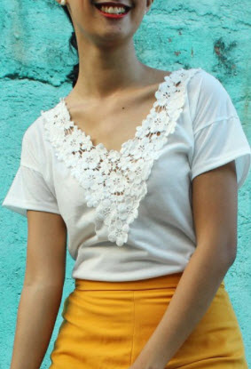 blouse-in-white-lace
