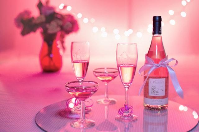 champagne romantic date